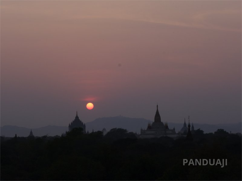 Sunset di Bagan, Myanmar