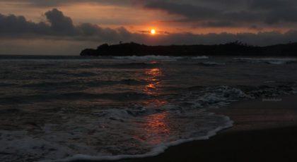 sunset di pantai serang